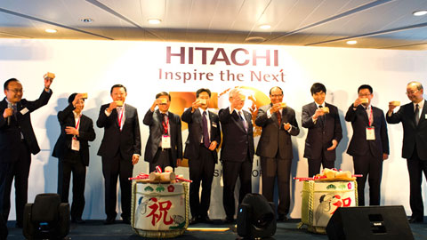 Giving cheers to Hitachi's 50th anniversary in Singapore.